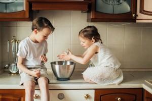 Occuper les enfants durant le confinement : 10 conseils